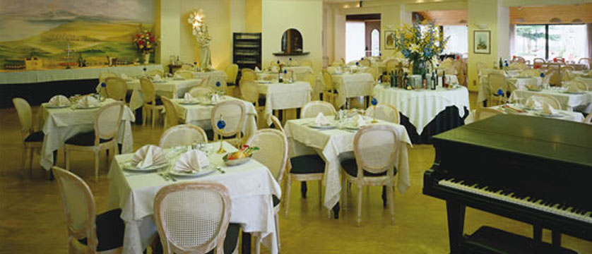 Catullo Hotel, Sirmione, Lake Garda, Italy - Restaurant.jpg